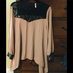 Tops - Mocha blouse w black lace at too and sleeves 2x
